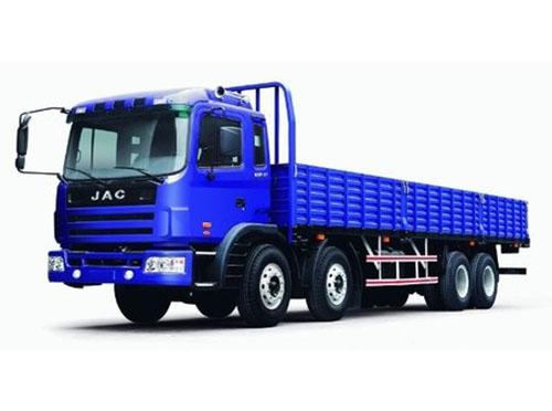24吨低栏车辆,长9.6米宽2.3米
